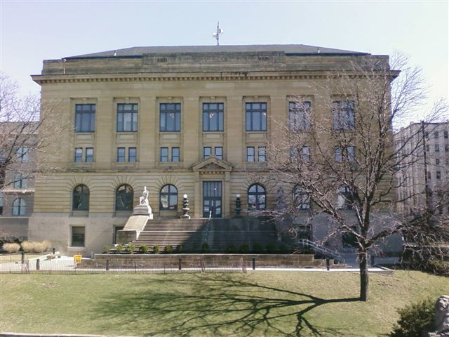 Photo of front of the Jefferson County Courthouse in Akron Ohio